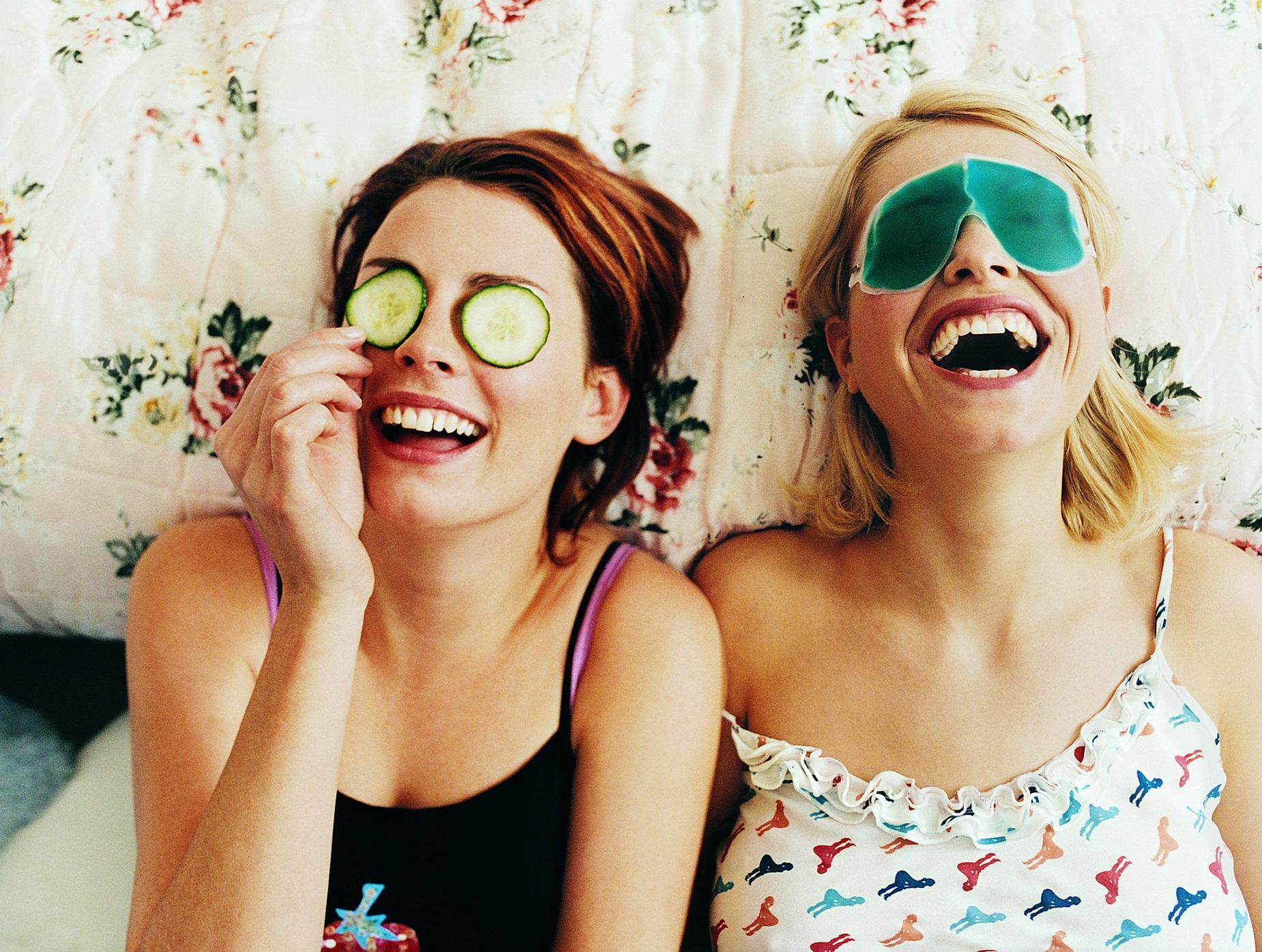 Hemmaspa med egengjord ansiktsmask